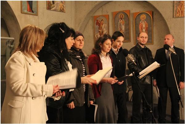 """Црквени хор """"Обилић"""" својим умилним појањем уљепшавао је сва божићна богослужења."""